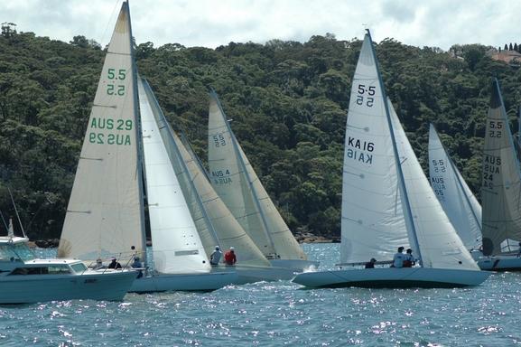 5.5 AUS 16 - Racing