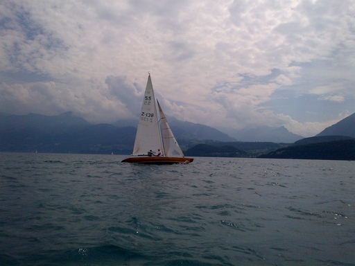 5.5 SUI 138 - on the Lake of Thun