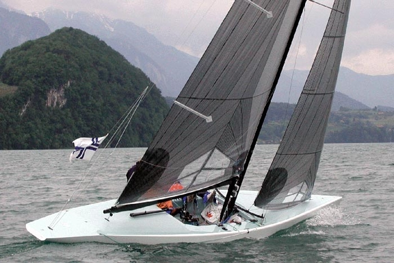 First tests on Thunersee, Spring 2003