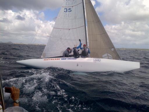 "5.5 NED 35 ""MAITRESSE GAAT VREEMD"" - in Curacao"
