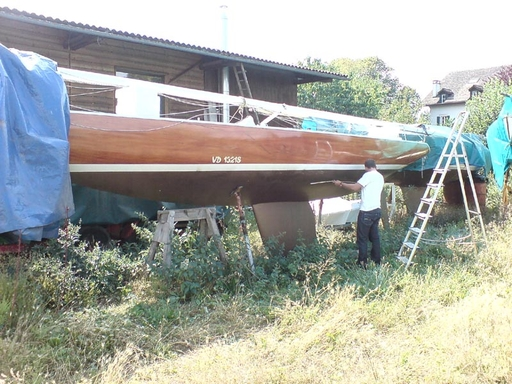For sale at Philippe Kolly's shipyard, Tannay ( SUI)
