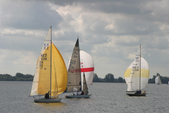 NED-29 Zonneschijn, NED-4 Laetitia and NED-5 Gilliatt IV during Dutch Championships, 2004