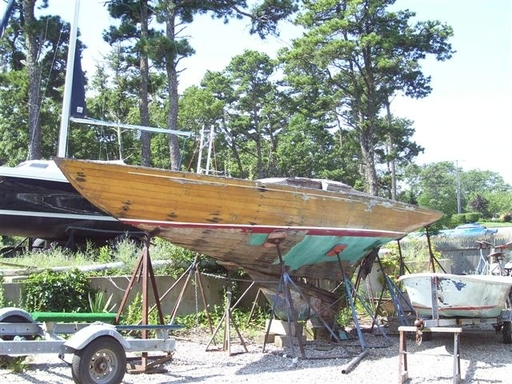 Mystery boat - 5.5m, 5m, 6mR or else?