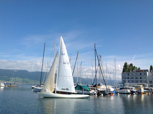 5.5 SUI 73 - on Lake Neuchatel
