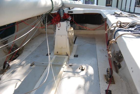 5.5 BAH 16 - cockpit
